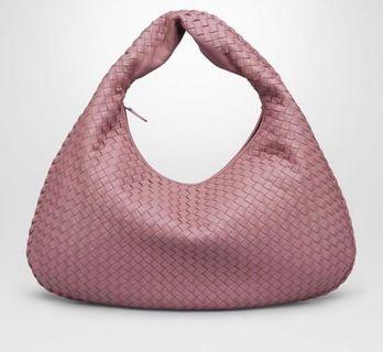 🚚 💯% Authentic Bottega Veneta Hobo Bag in pink (Medium)