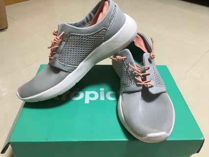 90%new 西班牙TropicFeel運動鞋速乾鞋跑鞋戶外鞋