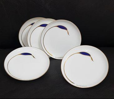 Givenchy Small Plate x5
