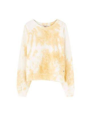 Looking for a size L sweater similar to that in colors blue, pink, orange or yellow
