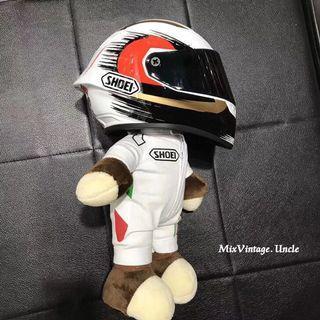 Mini helmet figurine