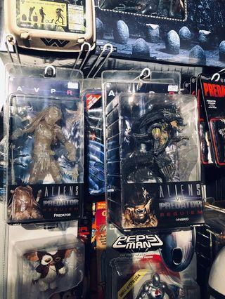 NECA Aliens vs Predator Requiem (AVPR) Set: Predalien and Stealth Wolf Predator