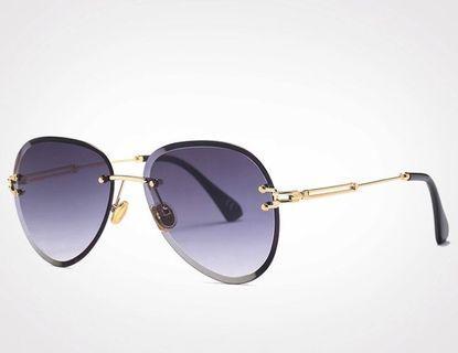 Trendy sunglasses UV400