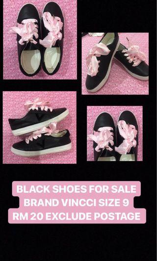 VINCCI BLACK SHOES