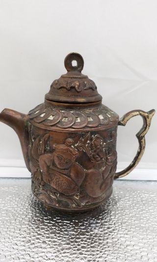乾隆老茶壺銅的
