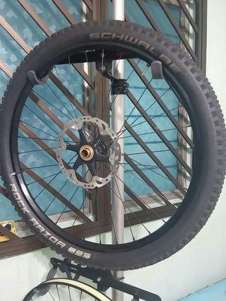 "ZTR Flow DH Wheelset 27.5"" Tubeless Ready with Shimano SAINT Hubs"