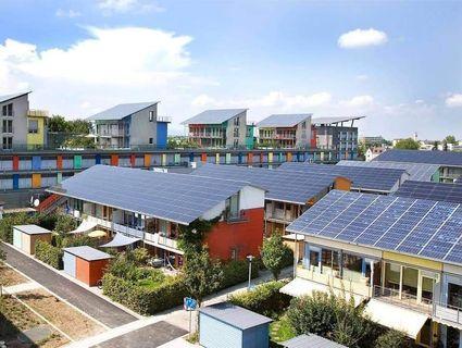 太陽能板$0成本享回報計劃 - 中電港電