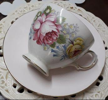 Royal Vale Teacup & Tuscan Saucer