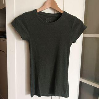 FSRN Tee in Olive color 檻欖綠色 t shirt tee 短袖衫 Size S