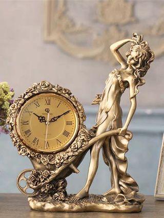 European Style Vintage Clock
