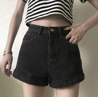 🚚 灰黑高腰牛仔短褲 L