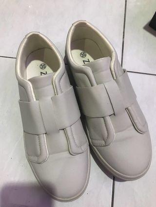 <free postage fee > ZALORA shoes