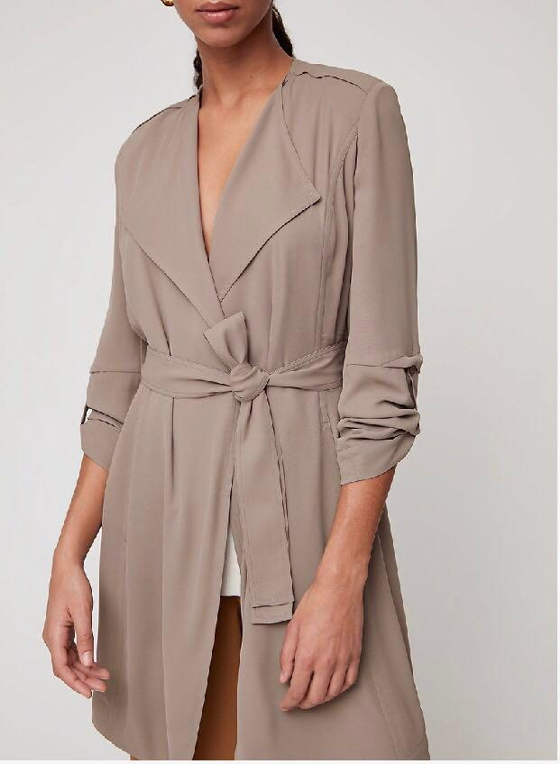 Aritzia Babaton Quincey Jacket (Taupe, XS) Flowy modern trench coat