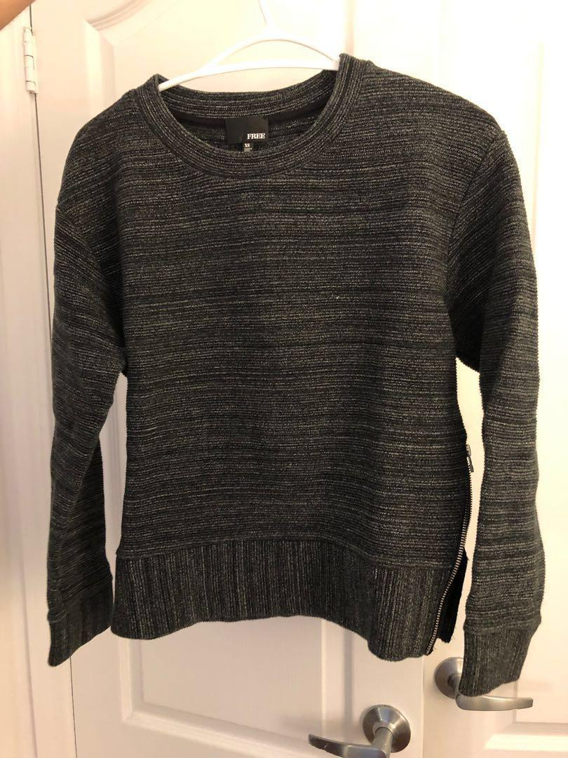 Aritzia Wilfred Free Zuzanna Sweater XS (dark grey)