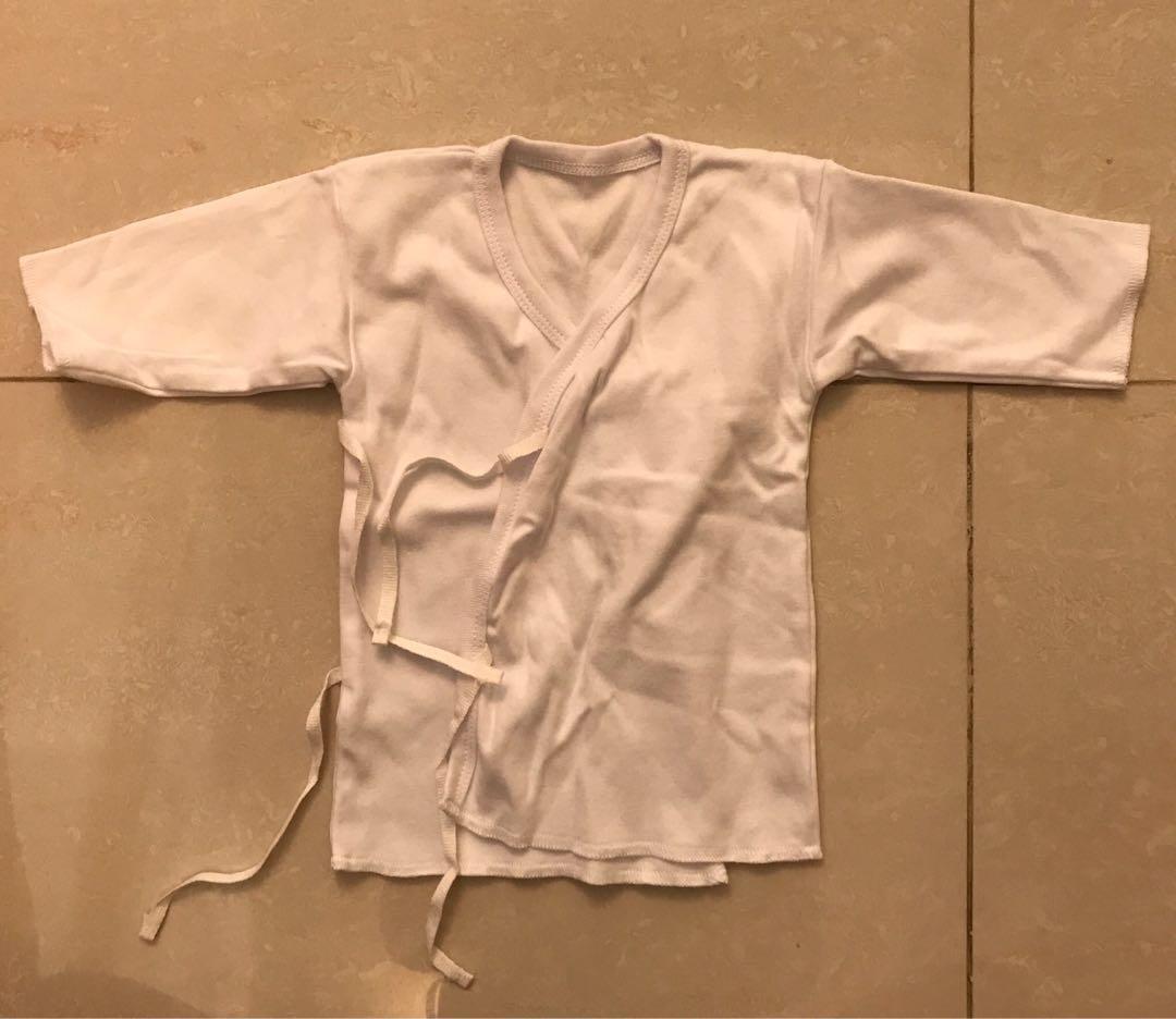 全新初生bb衫 (夾乸衣,背心,和尚袍,同一對襪仔)