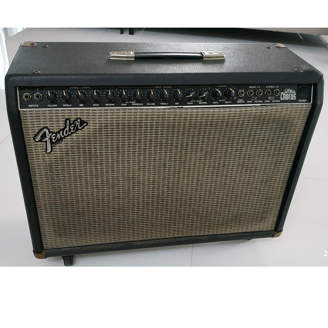 FENDER ULTRA CHORUS Stereo Amplifier MADE IN USA 2X12, (1980's Model) Good Condition, Just Serviced!