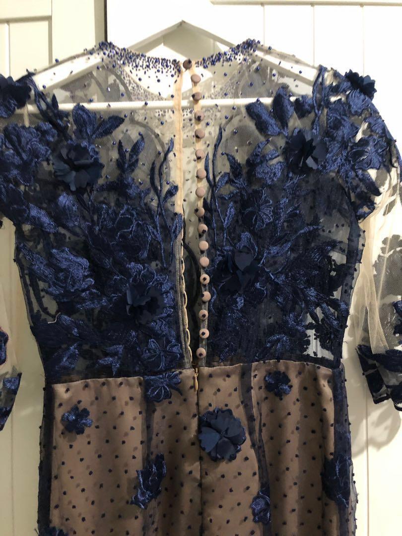 For rent: long dress navy blue full payet mewah saat dipakai