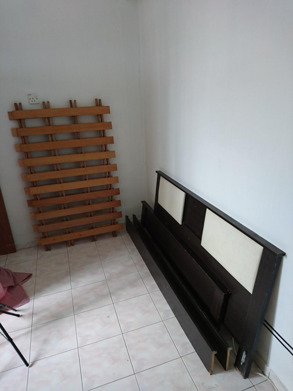 Katil Queen bed frame