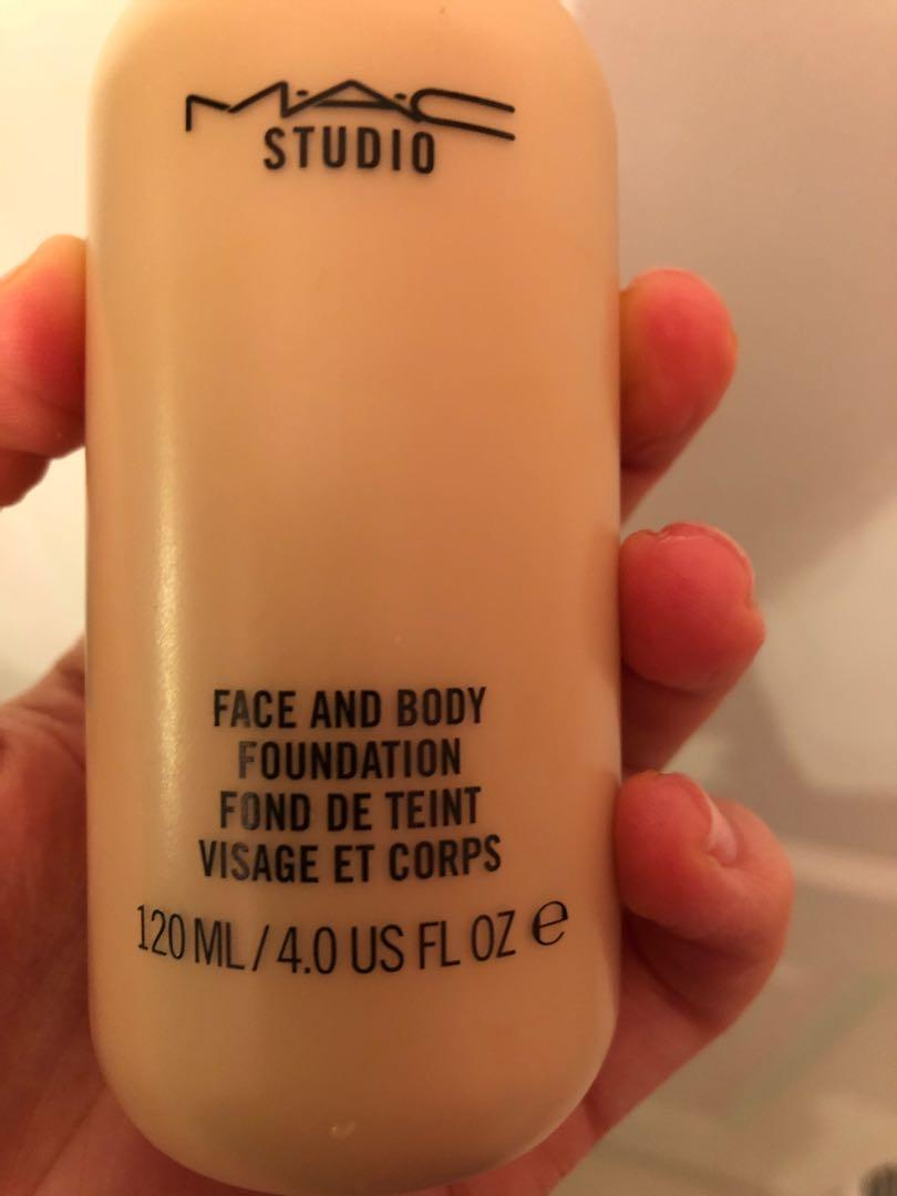 Mac Face and Body Foundation C1
