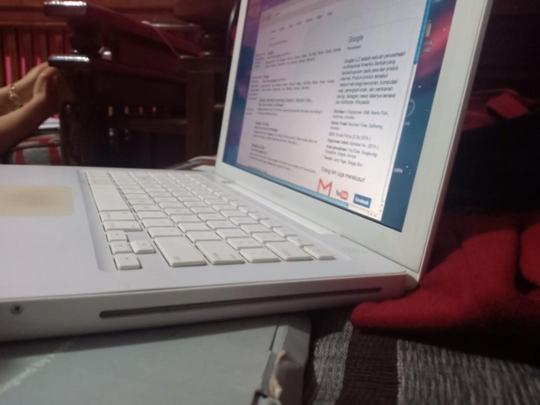Macbook core duo white MURAH