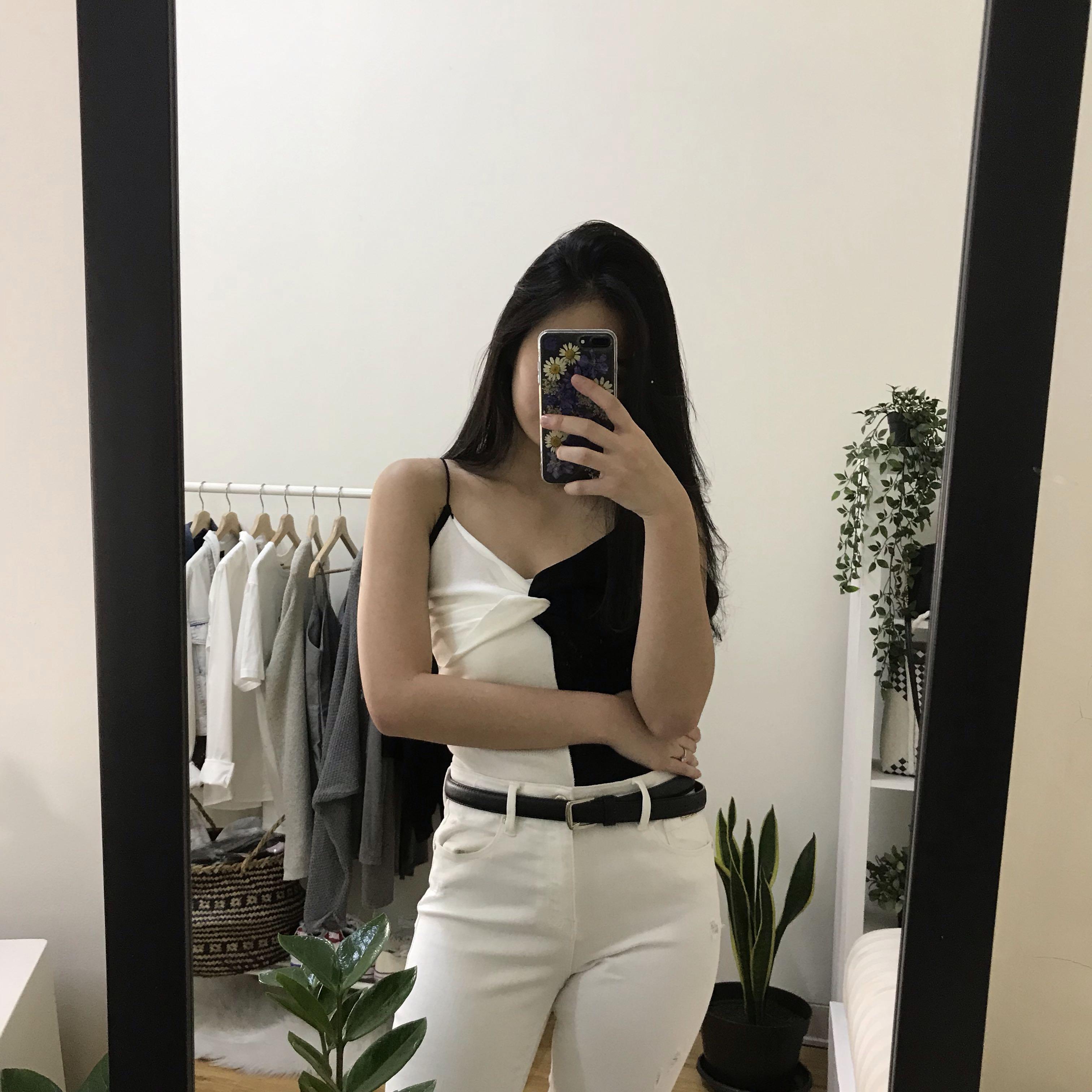 Monochrome top
