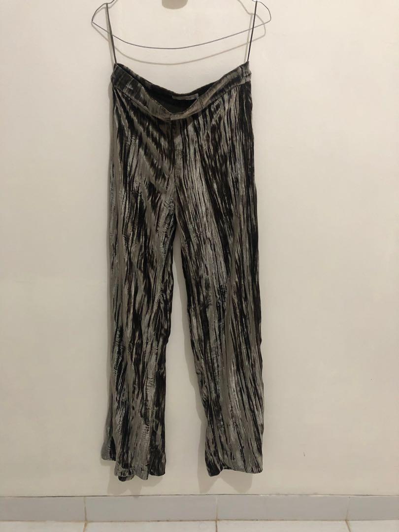 NETT pull n Bear Celana kulot panjang bahan velvet