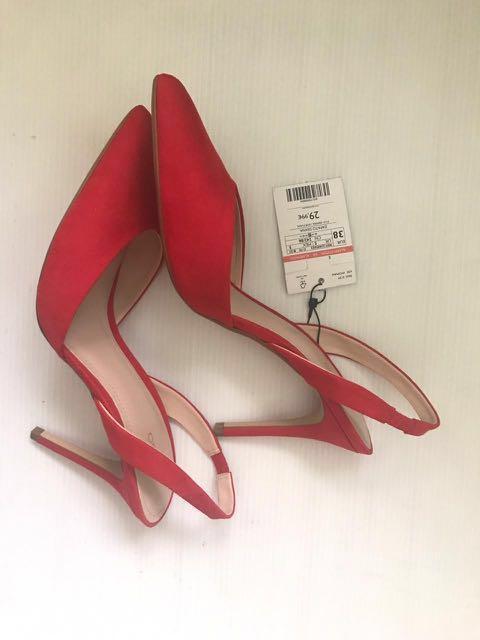 Red Stilettos 👠 #ramadansale