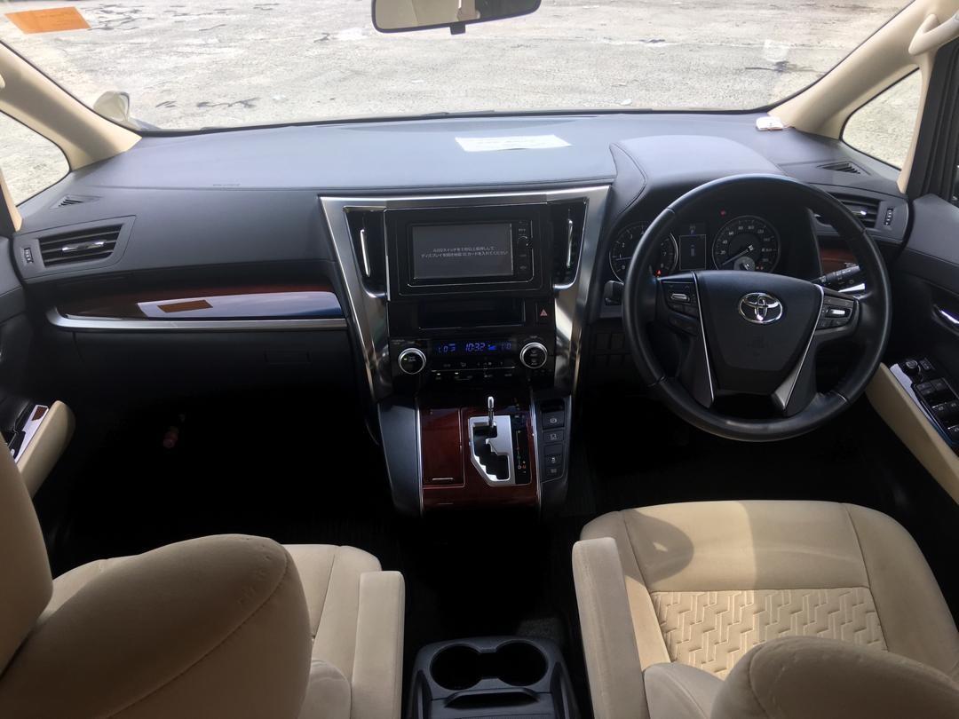 Toyota Vellfire 2.5 X Mod3l - Year 2016 - Unregistered
