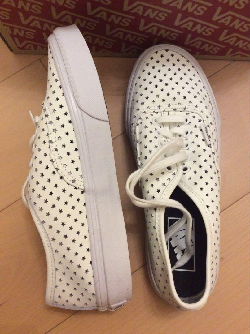 🆕Vans white star leather shoes 白色星星孔真皮鞋 Size 36.5 23cm