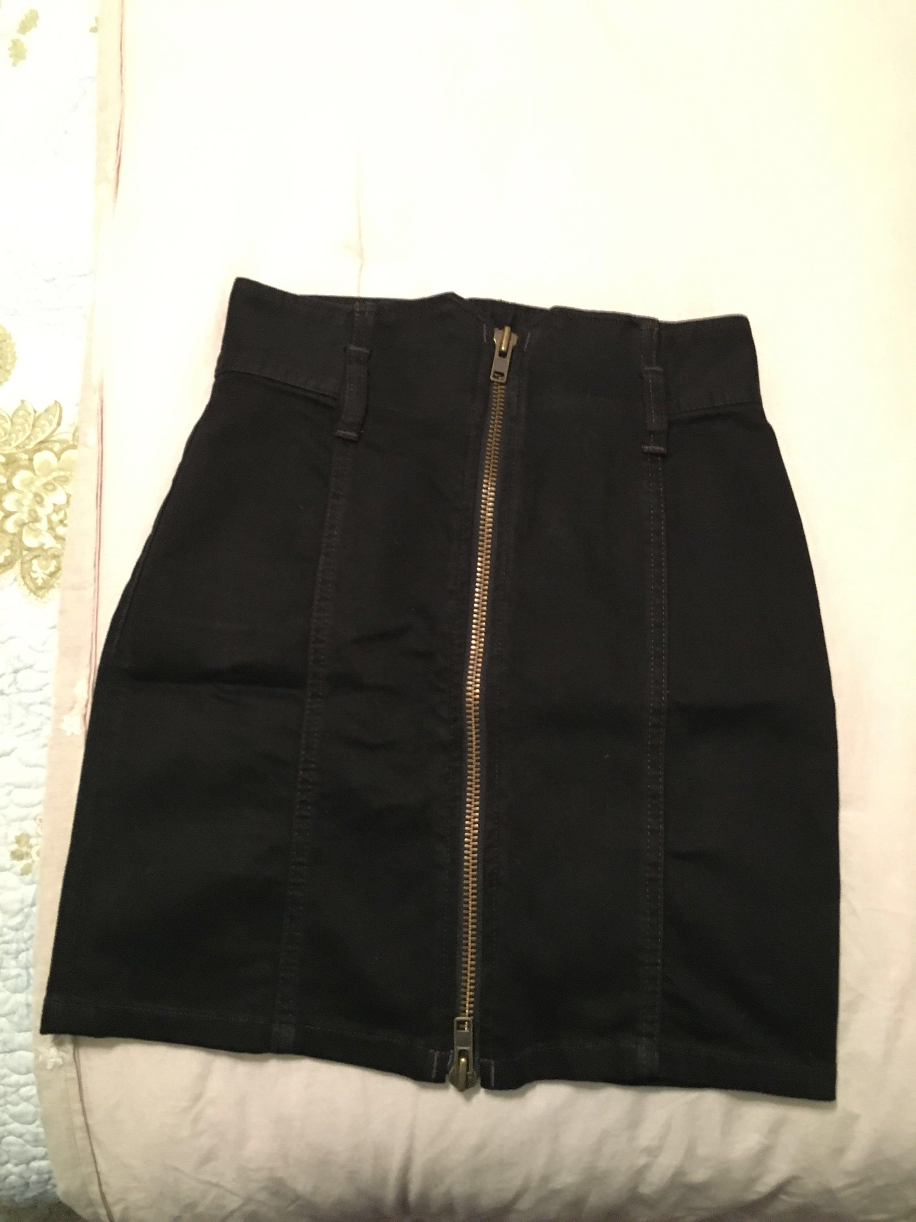 WILFRED High-Waisted Black Skirt (Size 2)