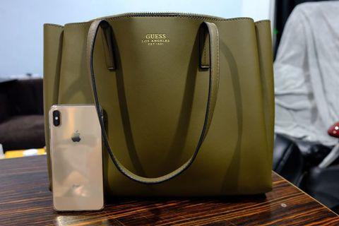 Guess Ella Girlfriend Carryall (Olive color)