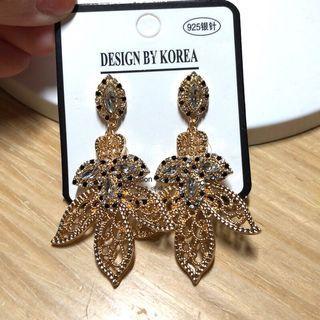 🚚 韓國飾品 耳環 鋯石耳環 925銀針防過敏