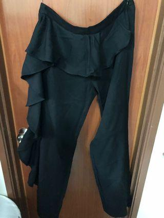 Lubna side ruffles pant