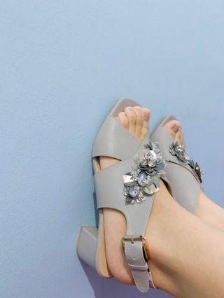 Khalila grey (dijual karena sudah ada warna yang sama)
