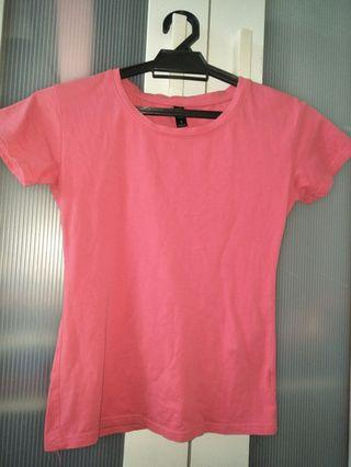Red/pink tshirt