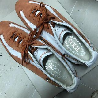 TODS 橙白色猄皮鞋