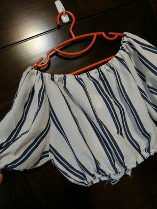 🚚 白藍直條一字平口綁帶上衣