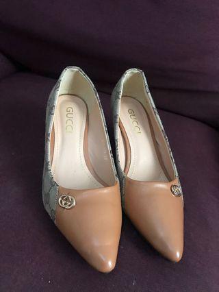 Sepatu jaman terbaru