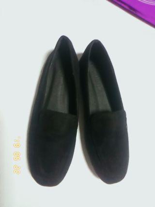 🚚 黑色絨布平底鞋
