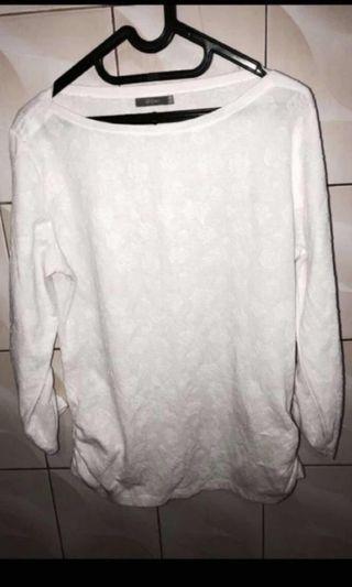 #BAPAU | SALE PRELOVED !! DETAILS BRAND CUTE WHITE TOP ! FREE ONGKIR JABODETABEK