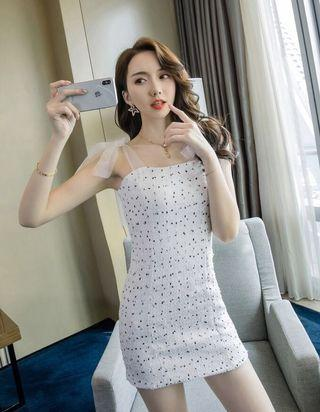PO : [ Premium Quality ] Sizes Available From S To XL. Super Sweet And Sexy Korean Style Tied Chiffon Ribbon Shoulder Strap Design Black With White/Black And White Bodycon/Body Hugging Dress