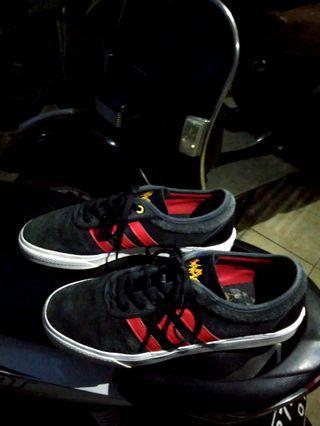 Adidas Adiease Skatebording Black Red X (collabs) Iyaiya Skull Original