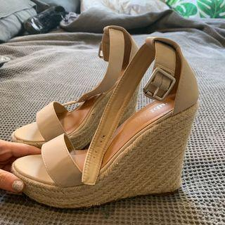 Rubi wedges