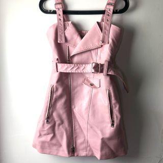 🚚 粉紅色仿皮裙