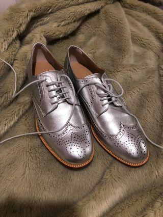 Banana republic metallic loafers