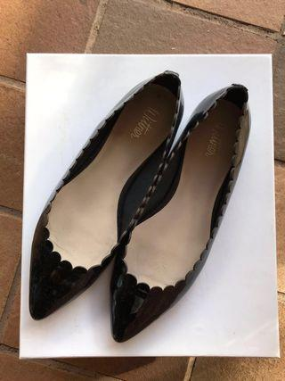Wittner Leather Scallop Ballet Flats