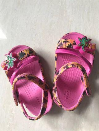 12-18m Crocs size 5 baby toddler girl sandals