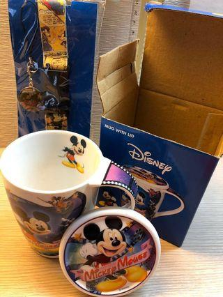 Mickey cup with lid and mobile phone strap
