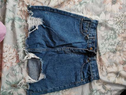 Ripped denim skirt size S M in blue