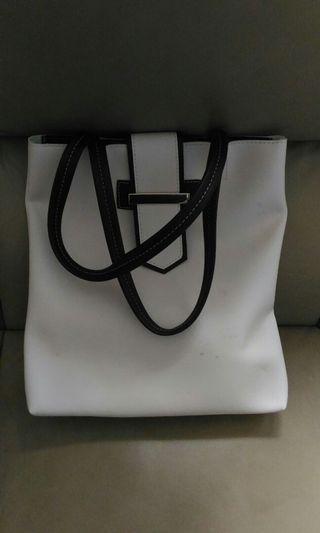 二手白色長形側揹袋